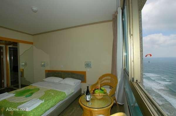 חדרי אירוח בנתניה- בואו להתארח אצלנו ולהכיר את החדרים הרומנטיים שלנו. מומלץ להשכרה לפי שעה  שעות